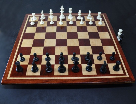 Bloodwood, Bubinga, Maple -inlay frame- tournament size chess board image(1)