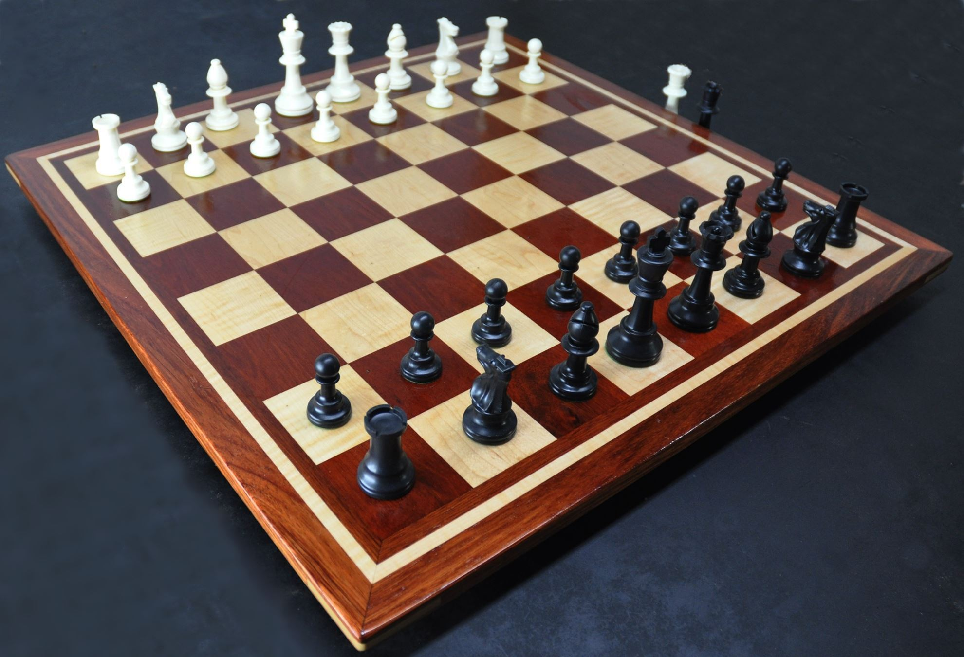 Bloodwood, Bubinga, Maple -inlay frame- tournament size chess board image(3)