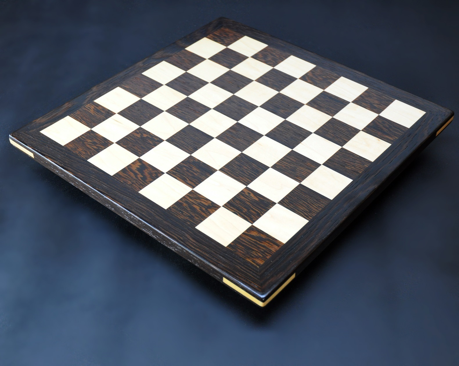 Wenge and Curly Maple Analysis Chess Board img 3