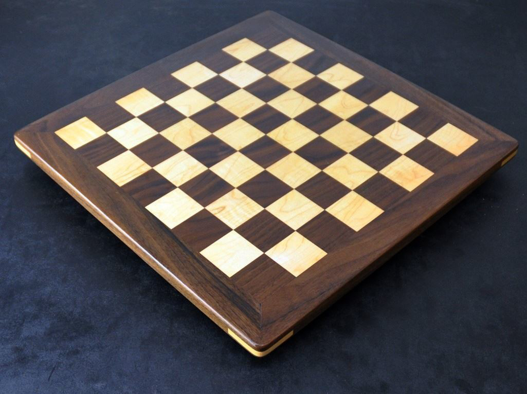 Walnut and Maple Chess board - Analysis size image 2